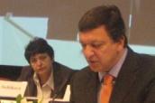 Jose Barroso a Džamila Stehlíková v bruselu na romském summitu