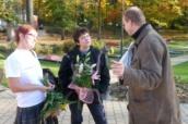 Džamila Stehlíkoává s Hanou Volfovou, manažerkou projektů na Šluknovsku, Monikou Lampovou, kandidátkou do senátu a starostou města krásná Lípa Zbyňkem Linhartem