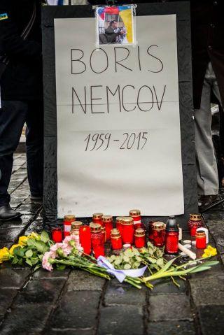 Pražský majdan uctil památku zavražděného kritika prezidenta Putina Borise Němcova