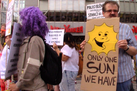Sluníčková demonstrace.
