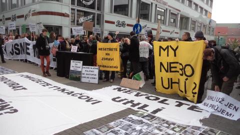 Sobotkova vláda prolomila územně ekologické limity těžby hnědého uhlí na dole Bílina
