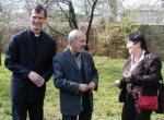 Kněz Jiří Rous, Karel Holomek a Džamila Stehlíková v Hodoníně u Kunštátu